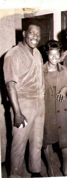 Otis and Zelma Redding Otis Redding, Soul Music, Music Music, Old School Music, Soul Funk, Guys And Dolls, Sweet Soul, Music Artists, Soul Artists