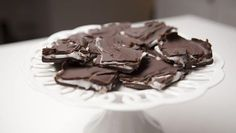 Hjemmelaget After Eight - Oppskrift - Godt. After Eight, Swedish Recipes, Christmas Goodies, Food Inspiration, Sweet Tooth, Sweet Treats, Mad, Food And Drink, Sweets