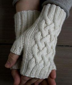 Traveling Cable Hand Warmers