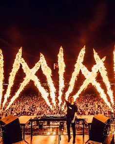 """Fuego "" Martin Garrix set the stage on fire in Mexico city. : Louis van Baar ➕✖ #martingarrix"