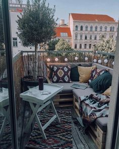 Small but nice ✨ Even from a small terrace you can really get a lot out of it. After over a year, the project balcony was started and . - Mediterranean Decor Ideas - Monique Bejarano - Kleiner Balkon - Home Decor Small Balcony Design, Small Balcony Decor, Small Terrace, Small Patio, Green Terrace, Small Balconies, Small Balcony Furniture, Tiny Balcony, Bench Furniture