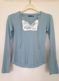 À vendre sur #vintedfrance ! http://www.vinted.fr/mode-femmes/hauts-and-t-shirts-t-shirts/24624676-t-shit-a-manches-longues-roxy