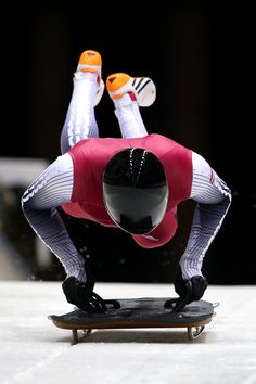 14 Photos That Prove That Skeleton Is The Most Badass Sport At Sochi Olympic Athletes, Olympic Sports, Olympic Games, Ski, Athletic Events, Baseball Pictures, Luge, Helmet Design, Sports Figures