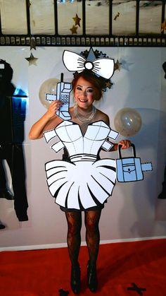 Halloween Outside, Halloween Rocks, Cute Halloween Costumes, Halloween 2020, Diy Costumes, Fall Halloween, Halloween Party, Pop Art Costume, Paper Doll Costume