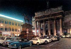 Questo era il teatro Carlo Felice prima del restauro, quando ero bambina era proprio così. GENOVA - Piazza De Ferrari - FOTO STORICHE CARTOLINE ANTICHE E RICORDI DELLA LIGURIA