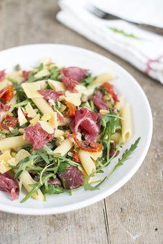 Carpaccio with pasta salad Pasta Recipes, Salad Recipes, Cooking Recipes, Healthy Recipes, Beef Recipes, Dinner Recipes, Easy Healthy Breakfast, Healthy Eating, Breakfast Ideas