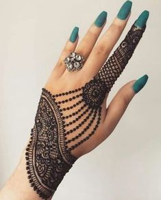 Mehndi is something that every girl want. Arabic mehndi design is another beautiful mehndi design. We will show Arabic Mehndi Designs. Henna Hand Designs, All Mehndi Design, Mehndi Designs Finger, Simple Arabic Mehndi Designs, Modern Mehndi Designs, Mehndi Designs For Girls, Bridal Henna Designs, Mehndi Design Photos, Beautiful Henna Designs