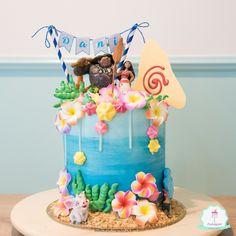 Moana/Vaiana Disney Drip Cake