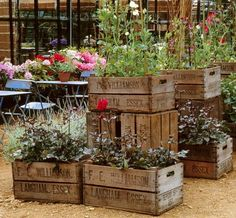 37 Vintage Craft Crate Ideas – Fun And Creative Things To Do With Old Crates - 18