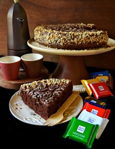 Dolci a go go Chocolate Desserts, Chocolate Cake, Tortilla Sana, Sweet Recipes, Cake Recipes, Chocolate Delight, Italian Cooking, Sweet Cakes, Biscotti