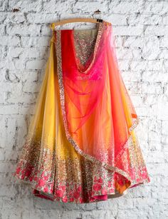 new Indian Lehenga Choli Ethnic Bollywood Wedding Bridal Party Wear Dress Lehenga Choli Designs, Lehenga Choli Online, Designer Bridal Lehenga, Bridal Lehenga Choli, Designer Sarees, Indian Lehenga, Red Lehenga, Yellow Lehenga, Indian Attire