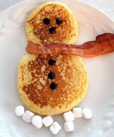Cute pancakes Cute Food Art to Try Christmas morning breakfast, Christmas breakfast , Christmas Grinch Donuts A Fun Holiday Dessert! Holiday Treats, Christmas Treats, Christmas Baking, Holiday Recipes, Christmas Foods, Xmas Food, Christmas Outfits, Holiday Foods, Holiday Decor
