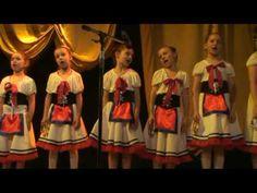 littlle girls dancing a tarantella.....