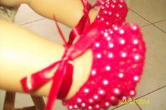 sapatinho em perola vermelho