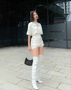 Korean Girl Fashion, Ulzzang Fashion, Korean Street Fashion, Kpop Fashion Outfits, Winter Fashion Outfits, Look Fashion, Trendy Fashion, Korean Casual Outfits, Cute Casual Outfits