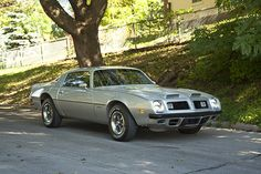 """1975 Firebird Formula 400: The enlarged rear window & grille-mounted """"running lights"""" (i.e., directionals) were new, as were catalytic converters & the dropping of the 455 (though you could still order a manual trans in the other 49 states)."""