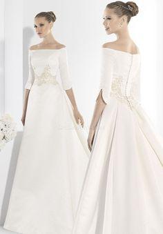 wedding dress bohemian Manu Alvarez 13 Floor L - weddingdress Boho Wedding Dress Uk, Wedding Dresses Uk, Wedding Dress Boutiques, Wedding Dress Train, Elegant Wedding Dress, Bridal Dresses, Dresses Dresses, Boho Dress, Beautiful Gowns