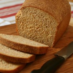 Cornmeal Graham Bread Adapted from Chez Panisse Menu Cookbook, by Alice Waters. Makes two medium loaves. Flour Recipes, Bread Recipes, Chez Panisse Menu, Graham Flour, How To Make Bread, Bread Making, Sandwich Fillings, Our Daily Bread, Recipe Using