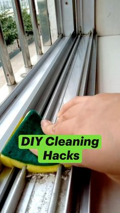 Diy Home Cleaning, Household Cleaning Tips, Cleaning Recipes, House Cleaning Tips, Diy Cleaning Products, Cleaning Solutions, Spring Cleaning, Cleaning Hacks, Do It Yourself Inspiration