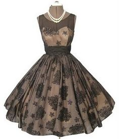 Love vintage dresses-so beautiful!