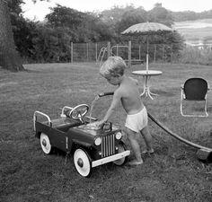 Pedal car washing