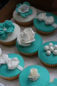 Tiffany Style Cupcakes for a shower... @Melissa Redman one day, when I'm having a wedding shower don't forget these cupcakes. I want tiny teal box! ahhhh... big dreamer