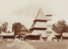 Spread of Islam - along Indian Ocean Trade Route- Mosque in Indonesia Old Pictures, Old Photos, Places Around The World, Around The Worlds, Spread Of Islam, Minangkabau, Dutch East Indies, Beautiful Mosques, House Ornaments