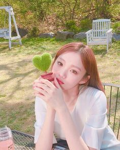 Which Korean Female Celeb can be crowned the 'Selfie Queen'? Korean Actresses, Korean Actors, Actors & Actresses, Korean Girl, Asian Girl, Asian Woman, Kim Book, Lee Sung Kyung, Weightlifting Fairy Kim Bok Joo