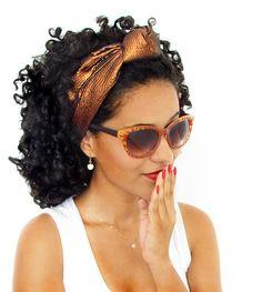 Headband Majestic Luxo, em tafetá com nó central. Faixa de cabelo estruturada que deixa qualquer look bem sofisticado.