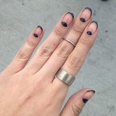 negative space nail art | Tumblr