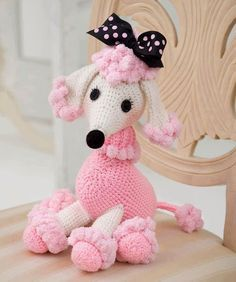 tejidos artesanales en crochet: coqueta perrita caniche tejida en crochet