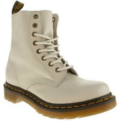 Dr. Martens Pascal Boots Off White