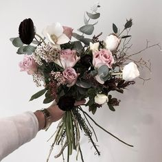いいね!1,274件、コメント2件 ― 플로리스트 이주연 florist Lee Ju Yeonさん(@vanessflower)のInstagramアカウント: 「. . #빈티지꽃다발 . . 좋아하는컬러 💕 . . #Order 👉🏻Katalk ID vaness52 WeChat ID vaness-flower E-mail…」