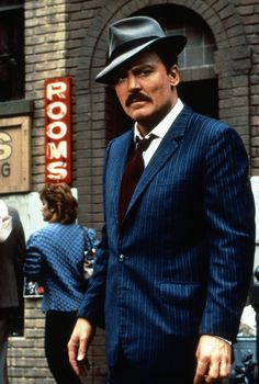 Stacy Keach in Mike Hammer - Mickey Spillane's Mike Hammer (TV Series)
