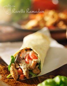 Chicken and Raw Recipe Ramadan Recipe Easy Smoothie Recipes, Easy Smoothies, Good Healthy Recipes, Raw Food Recipes, New Recipes, Snack Recipes, Burritos, Wrap Sandwiches, Healthy Sandwiches