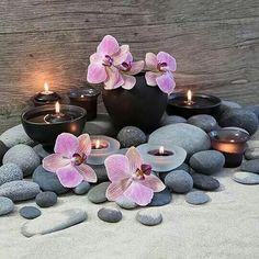 New bath room spa zen candles Ideas Sala Indiana, Image Zen, Spa Rooms, Zen Space, Zen Room, Spa Design, Massage Room, Meditation Space, Flower Wallpaper