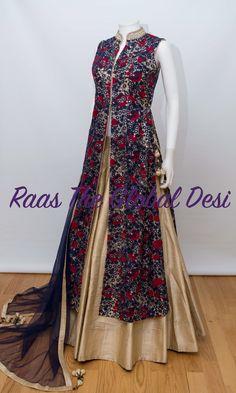 Mast dress I love it Indian Gowns Dresses, Indian Fashion Dresses, Dress Indian Style, Indian Designer Outfits, Pakistani Dresses, Designer Party Wear Dresses, Kurti Designs Party Wear, Lehenga Designs, Kurta Designs