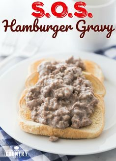 a Creamy Hamburger Gravy over toast recipe from The Country Cook S. also known as Creamy Hamburger Gravy is an old-school meal. This is a classic, simple and tasty meal that is reminiscent of military cooking! Hamburger Sauce, Hamburger Gravy Recipe, Sausage Gravy, Hamburger Dishes, Meals With Hamburger, Supper Ideas With Hamburger, Hamburger Meat Recipes Easy, Sauce Crémeuse, Snacks Sains