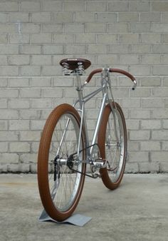 Biscotti by Vanguard Cool Bicycles, Vintage Bicycles, Fixed Gear Bicycle, Bike Shed, Old Models, Vintage Frames, Biscotti, Wheels, Industrial Design