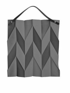 Sac Iittala X Issey Miyake Iittala - Gris Issey Miyake, Design Shop, Bag Design, Grey Tote Bags, Origami Bag, Diy Origami, Wooden Bag, 3d Geometric Shapes, Patchwork Designs