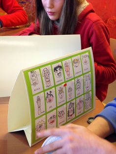 Zelf een 'wie is het' maken School Age Activities, Classroom Activities, Classroom Organisation, Art Classroom, Diy For Kids, Crafts For Kids, Kids Class, Feelings And Emotions, Character Education
