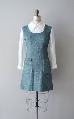 1960s dress / mod 60s dress / peter pan collar / Carnaby dress