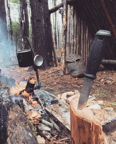 wilderness survival guide tips that gives you practical information and skills to survive in the woods.In this wilderness survival guide we will be covering Survival Equipment, Survival Tools, Survival Knife, Bushcraft Skills, Bushcraft Camping, Shelter, Jake Park, Out Of Touch, Living Off The Land