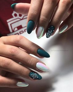 Trendy manicure for fall winter 2018 Matte dark green, white nail polish …. Trendy manicure for fall winter 2018 Matte dark green, white nail polish … – Xmas Nails, Holiday Nails, Christmas Nails, Fun Nails, Christmas Snowflakes, Sparkle Nails, Green Christmas, Winter Christmas, Chorme Nails