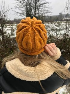 Wooly Hats, Knitted Hats, Slouchy Hat, Etsy Crafts, Wool Yarn, Etsy Handmade, Hats For Women, Hand Knitting, Collaboration