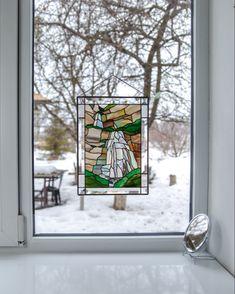 #nationalparks #nationalparkwedding #stainedglasspanels #stainedglass #customstainedglass #stainedglassart #modernstainedglass #stainedglasssuncatcher #windowdecor #stainedglasswindows #tiffanystainedglass #etsy #etsyshop #etsyfinds #etsyshopideas #giftideas #Christmasgifts #stainedglasssea #stainedglassocean #stainedglaasunderwater #stainedglassfish Modern Stained Glass, Custom Stained Glass, Tiffany Stained Glass, Stained Glass Birds, Stained Glass Panels, Window Hanging, Window Panels, Glass Waterfall, Spectrum Glass