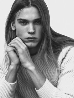 Long Hairstyle and Fashion. Pretty Men, Gorgeous Men, Beautiful People, Foto Glamour, Androgynous People, Long Hair Models, Boys Long Hairstyles, Poses, Male Face
