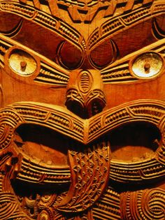 Historic Maori Carving in Otago Museum, Dunedin, New Zealand. Polynesian People, Polynesian Art, Sarah Lark, Tiki Tattoo, Maori People, Maori Designs, Maori Art, Kiwiana, Tribal Art