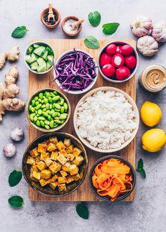 Vegetarian Main Dishes, Vegetarian Recipes, Meals Under 200 Calories, Raw Food Recipes, Healthy Recipes, Hawaiian Dishes, Rice Ingredients, Crispy Tofu, Tahini Sauce