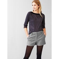 Gap Heathered wool blend with lining. Hook & bar closure, zip fly. Angled pockets in front, rear welt pockets. Sits below the waist. Hits at the upper thigh. I…